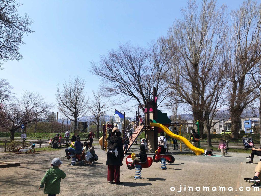 札幌市農試公園交通コーナーの遊具