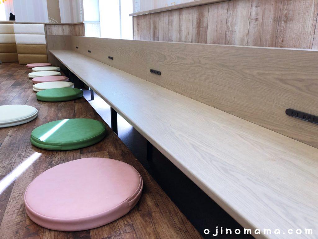 アリオ札幌小上がり席のカウンター
