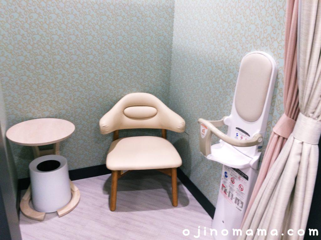 札幌東急授乳室内