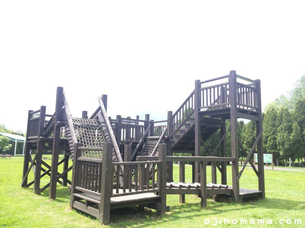 いわみざわ公園木製遊具1