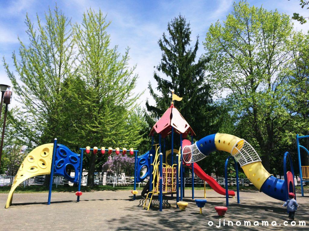 札幌白石東冒険公園コンビ遊具1