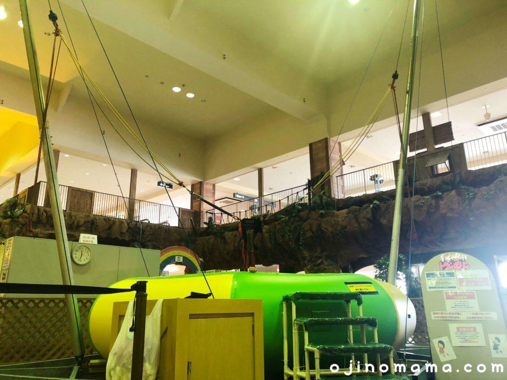 小樽室内遊び場イカロスの城トランポリン