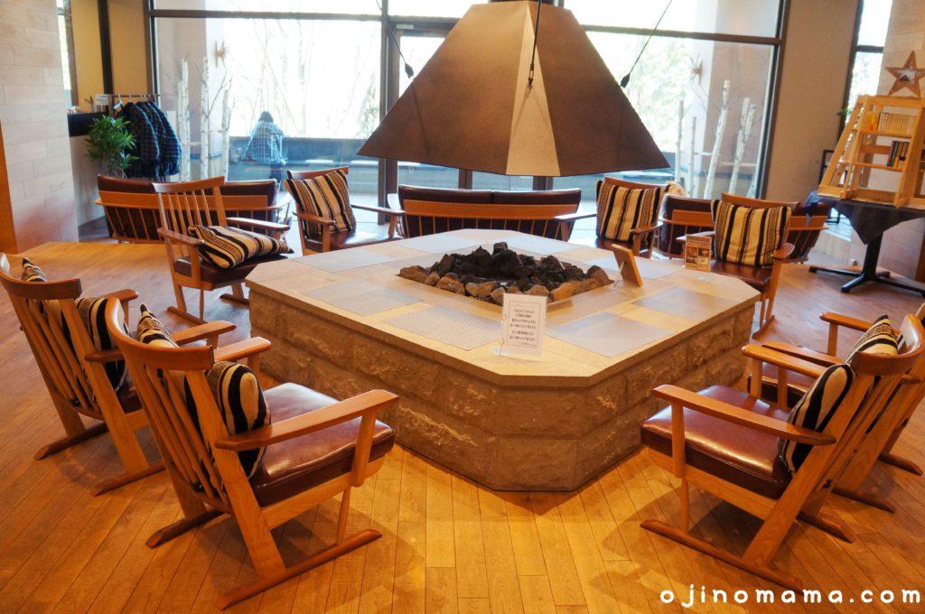定山渓ミリオーネバーチテラス暖炉