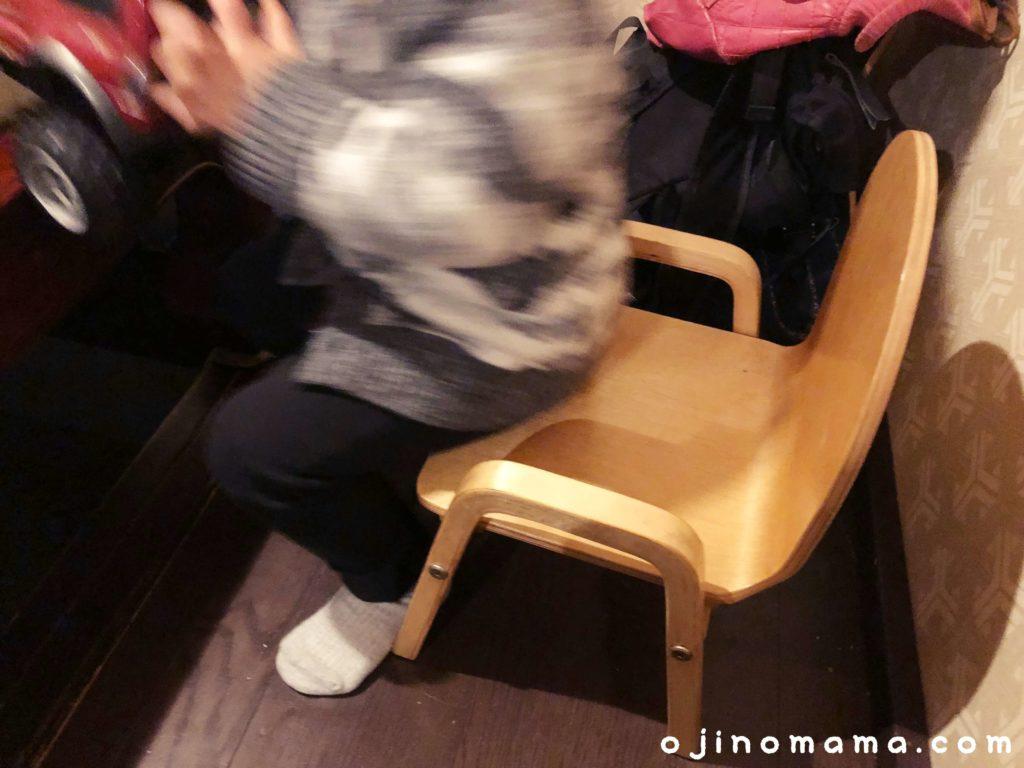 札幌子連れランチブルックスカレー食堂ベビーチェア