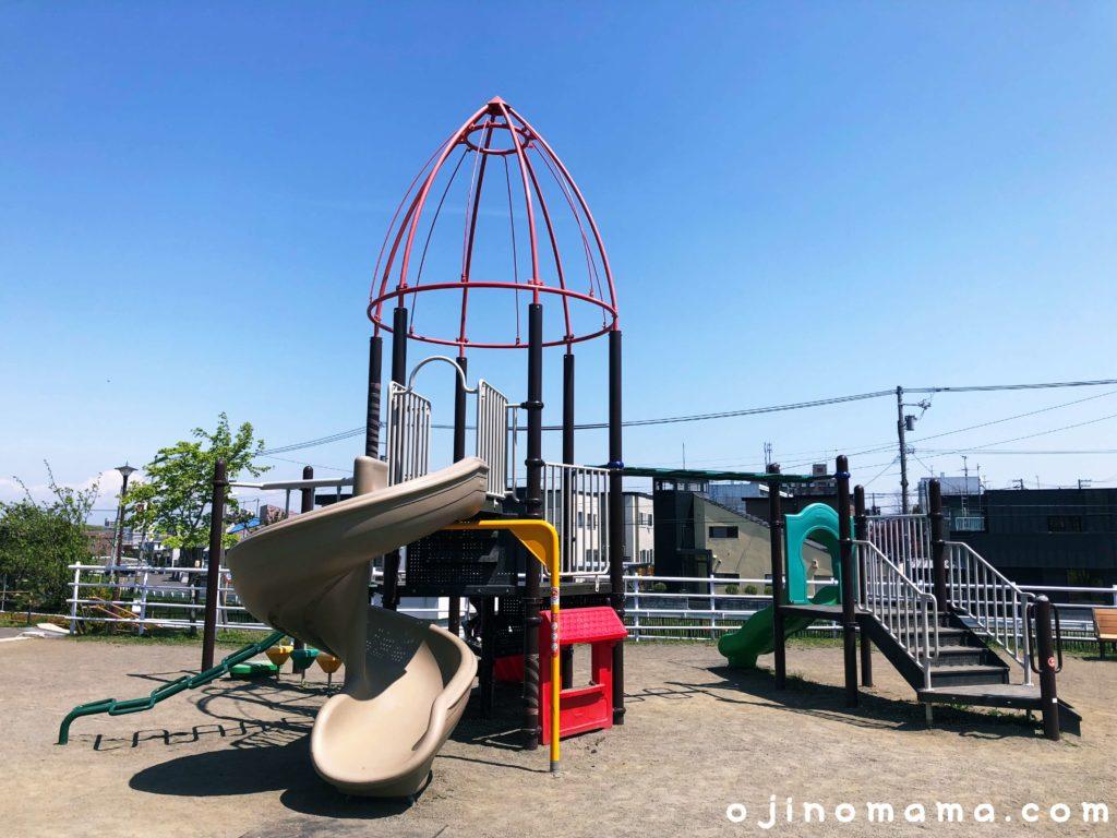 札幌清田中央公園コンビ遊具2