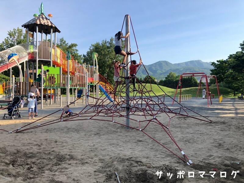 下手稲公園ロープジャングルジム