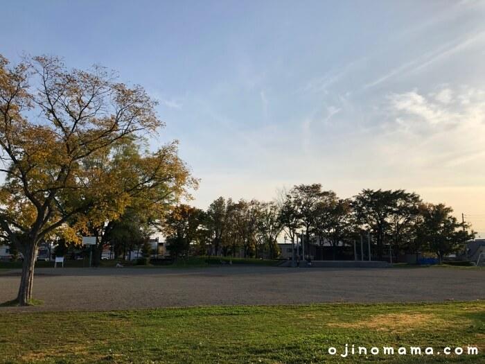 札幌市北郷公園広場