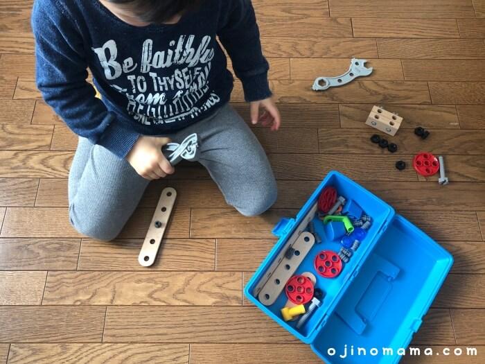 3歳おもちゃ工具